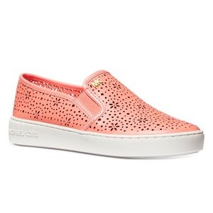 01133 KANE PERFORATED SLIP ON SNEAKERS